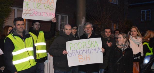 Podrska demostrantima u BiH u Oslu: NORVEŠKA JE UZ VAS