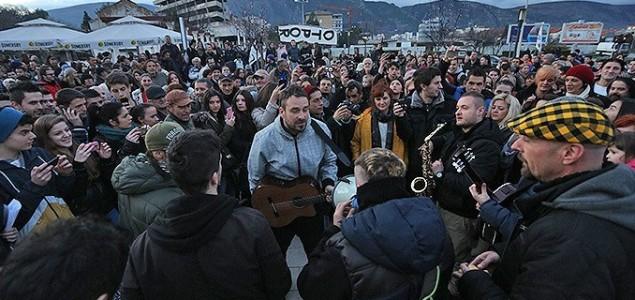 Dubioza kolektiv na protestu u Mostaru