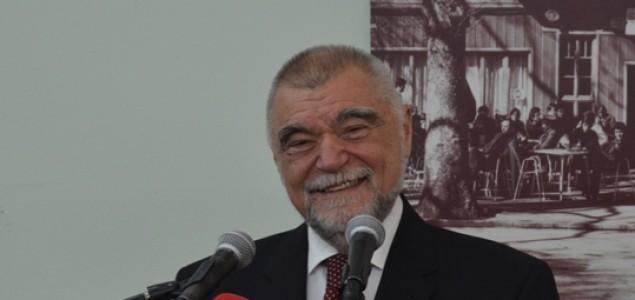 Stjepan Mesić odgovara Ivi Bancu: TKO TO TAMO PEVA?