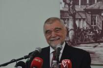 Mesić podnio ostavku na dužnost počasnog predsjednika SABA-e