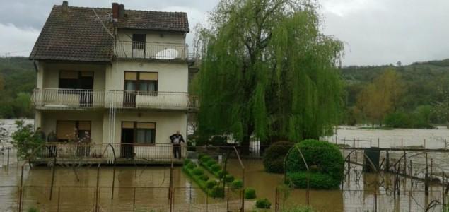 Vanredno stanje u pet opština zbog poplava