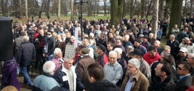 Ratni veterani danas ponovo protestuju pred Narodnom skupštinom RS