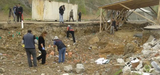 Počela potraga za masovnom grobnicom kod Rudnice