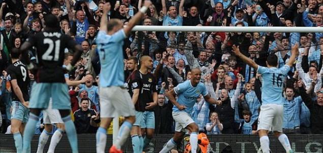 Džeko sa Manchester Cityem slavi naslov prvaka Engleske