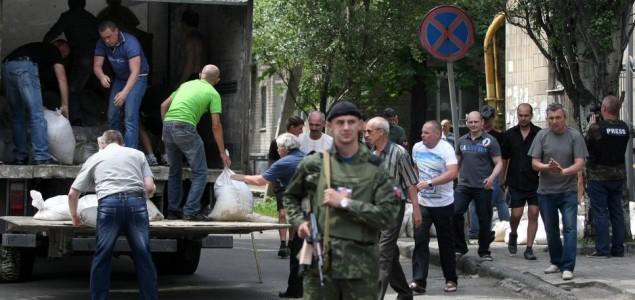 Rat u Ukrajini: Vojska krenula u akciju protiv separatista, više od stotinu ubijenih