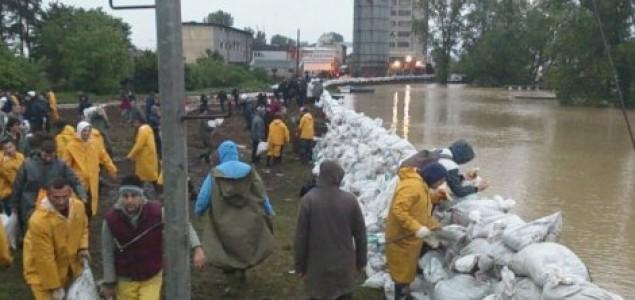 Užas se nastavlja: Dramatično stanje u okolini Šapca, naređena hitna evakuacija!