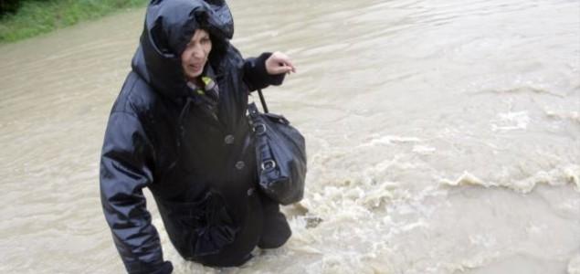 Politički lešinari ne štede na poplavama