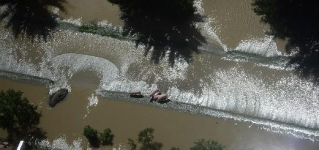 Nastavak kataklizme: Više od 50 posto Odžaka pod vodom, iseljeno oko 5.000 stanovnika