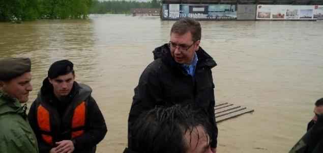 Vučić: Tko pomisli iz donacija ukrasti bit će kao da mu je ruka odsječena
