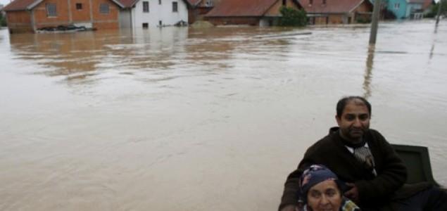 Potvrđeno 12 stradalih u Obrenovcu. Evakuacija stanovništva i dalje traje