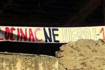 """Nakon puštanja Kordića na slobodu, u Mostaru postavljen transparent """"Zločinac, ne heroj – 116"""""""