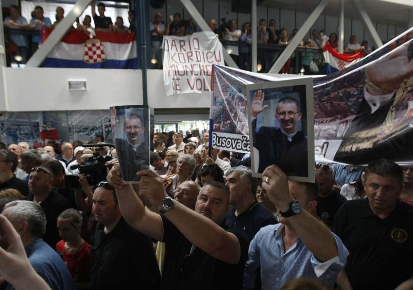 Zagreb, 06.06.2014 - Dario Kordic stigao u Zagreb nakon sto je pusten iz haskog zatvora odsluzivsi dvije trecine kazne