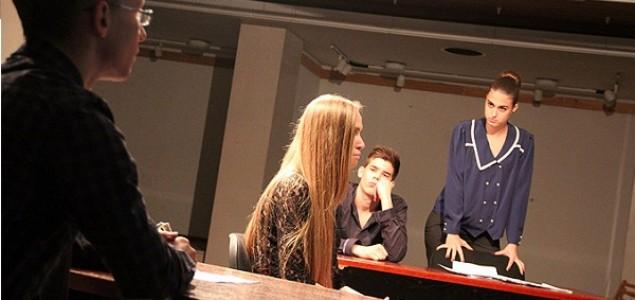 Izvedena predstava 'Između zločina i kazne' dramske sekcije Gimnazije Mostar