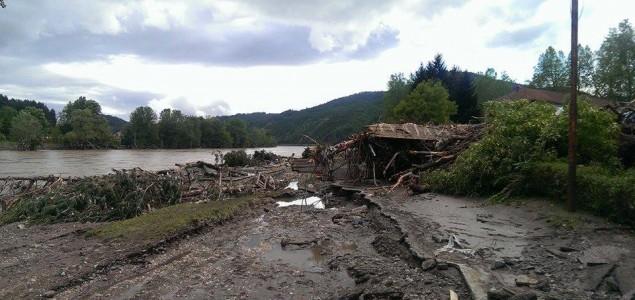 Solak: Kuće pod vodom, nema životno ugroženog stanovništva