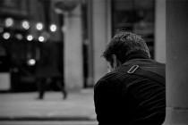 Amir Hrnjičević: Noseći nesreću