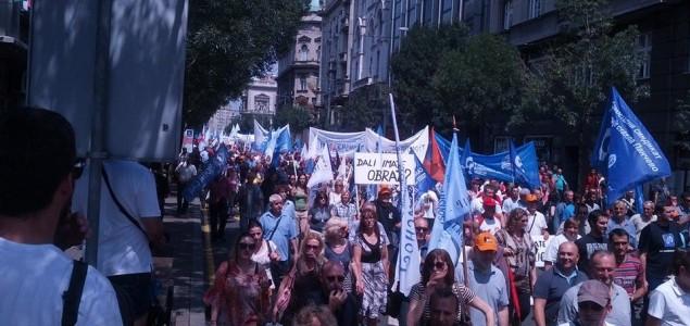 Veliki protesti radnika u Srbiji