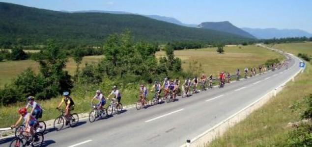 Biciklisti na putu ka Srebrenici napadnuti u Valjevu