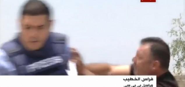 Bijesni Izraelac napao reportera BBC-a, izraelska vojska pucala na ured Al Jazeere