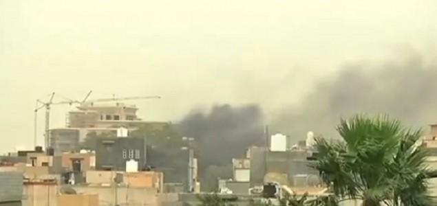 Nastavljaju se sukobi u Libiji, srušen vojni avion