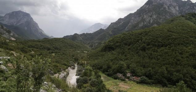 """Drežnica u BiH na ležištu """"crnog zlata"""": Nada i zebnja stanovnika, da li će nafta donijeti bolje sutra"""
