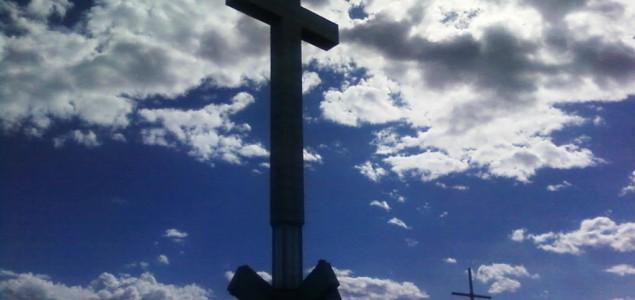 Krstovi na mjestima zločina: inat ili blasfemija?