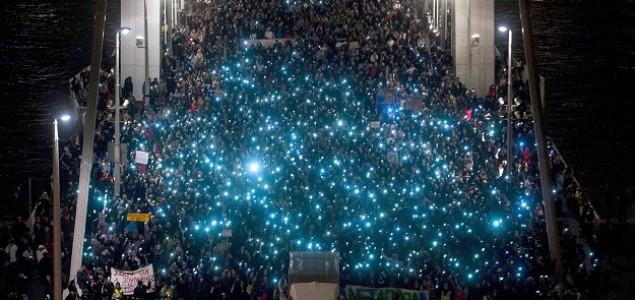 Hiljade prosvjednika na ulicama Budimpešte zbog poreza na internet