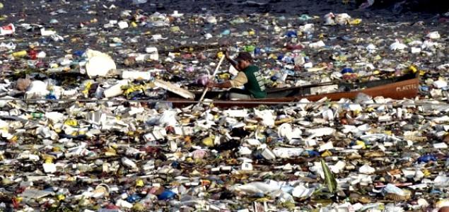 """""""Kontinent"""" smeća pluta okeanima i prijeti životu na Zemlji"""