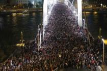 Prosvjedi upalili: Orban odustao od uvođenja poreza na internet