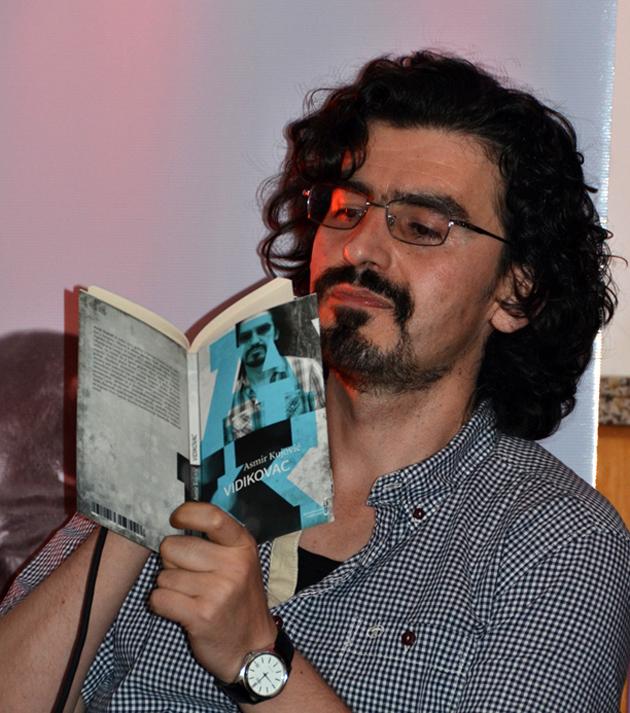 Kujovic: Asmir Kujović Ili Kako Se Piše Poezija