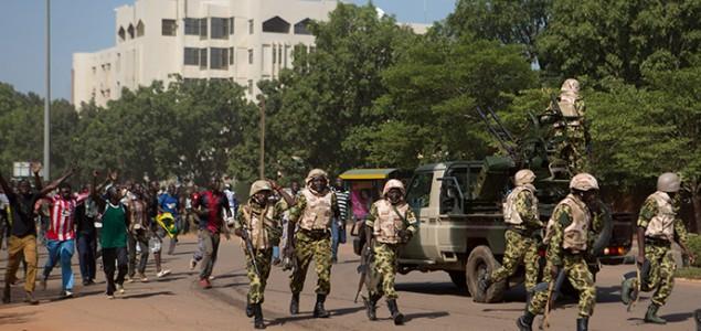 Vojska preuzela vlast u Burkini Faso, uveden policijski sat