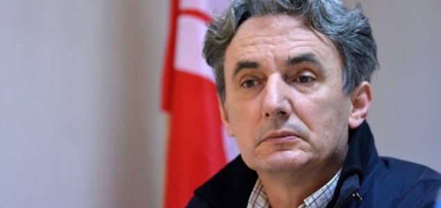 Hadžem Hajdarević: Izgubljeni su svi vrijednosni kriteriji, kulturna politika je banalizirana, provincijalizirana