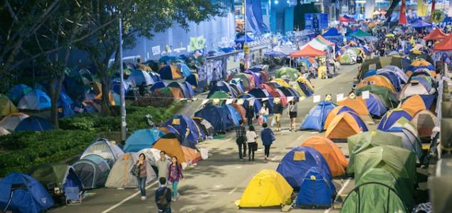 Hong Kong: Akcija čišćenja barikada demonstranata