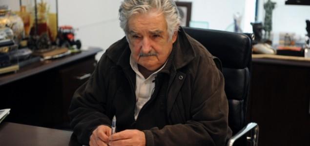 """Urugvajci u nedjelju biraju nasljednika """"najsiromašnijeg predsjednika na svijetu"""""""