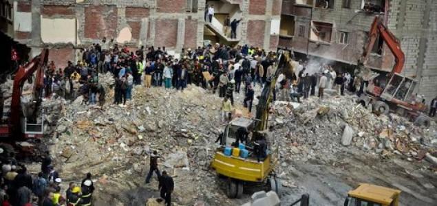 Kairo: Deset osoba poginulo nakon što se srušila osmospratnica