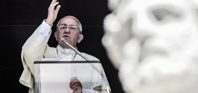 """Papa Franjo: """"Slavljenje Božića je obična šarada, cijeli svijet je u ratu"""