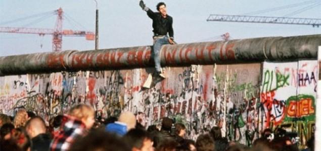 Rezultat slika za берлински зид