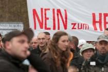 Protest protiv Muslimana i izbjegličkih domova: pristojni građani mrze strance