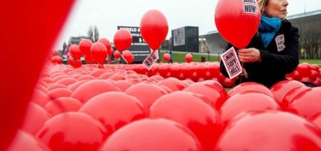 """Aktivisti javljaju o prekretnici u borbi s virusom, """"početku kraja AIDS-a"""""""