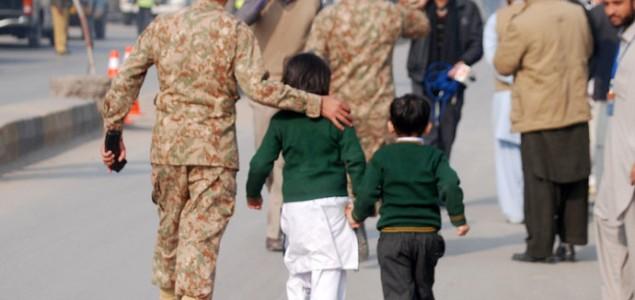 Pakistan: U napadu na školu ubijena 84 učenika