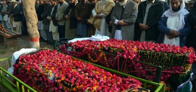 Pakistan u žalosti nakon masakra u školi