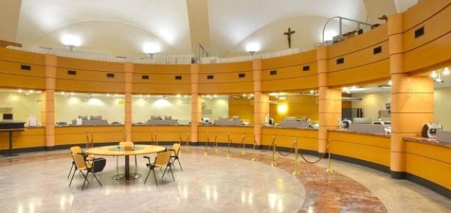 """Vatikan je bogatiji za """"stotine miliona evra"""""""