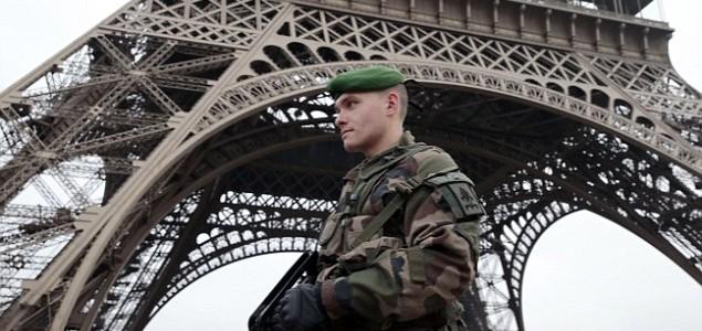 Francuska raspoređuje 10.000 vojnika radi jačanja sigurnosti
