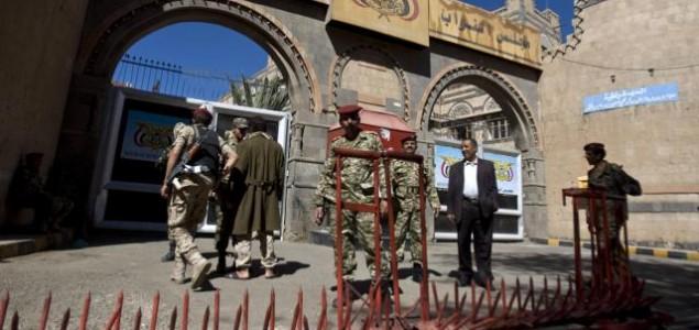 Haos u Jemenu, strane diplomate napuštaju državu