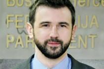 Govor zastupnika Dennisa Gratza na današnjoj sjednici PD Parlamenta FBiH, u vezi sa izmjenama Zakona o državnoj službi u Federaciji BiH