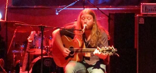 Teksaški blues gitarista u Mostaru