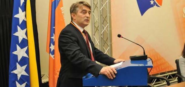 Komšić poručio Ljubiću: Bosna i Hercegovina se odbranila 1993, odbranit će se opet