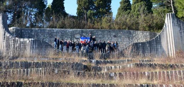 Zašto je policiji bitniji Nele od antifašista na Partizanskom groblju?