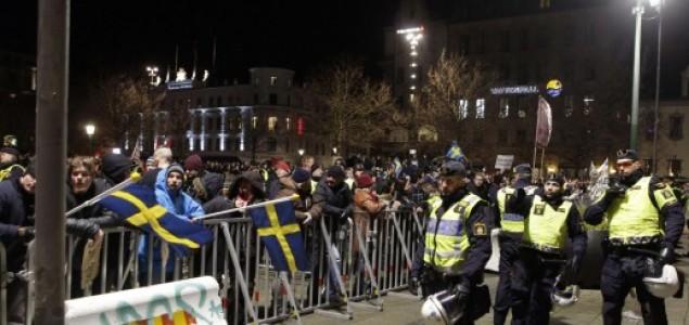 U švedskom Malmeu mali skup simpatizera protuislamističke Pegide i veliki skup antirasista