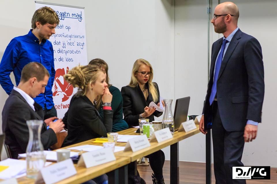 Konvencija stranke PvdD - Karla skroz desno