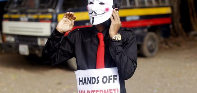 Indijski sud oborio zakon: Ljudi se ne mogu hapsiti zbog komentara na Facebooku